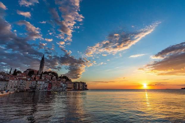 Zalazak sunca iznad Rovinja