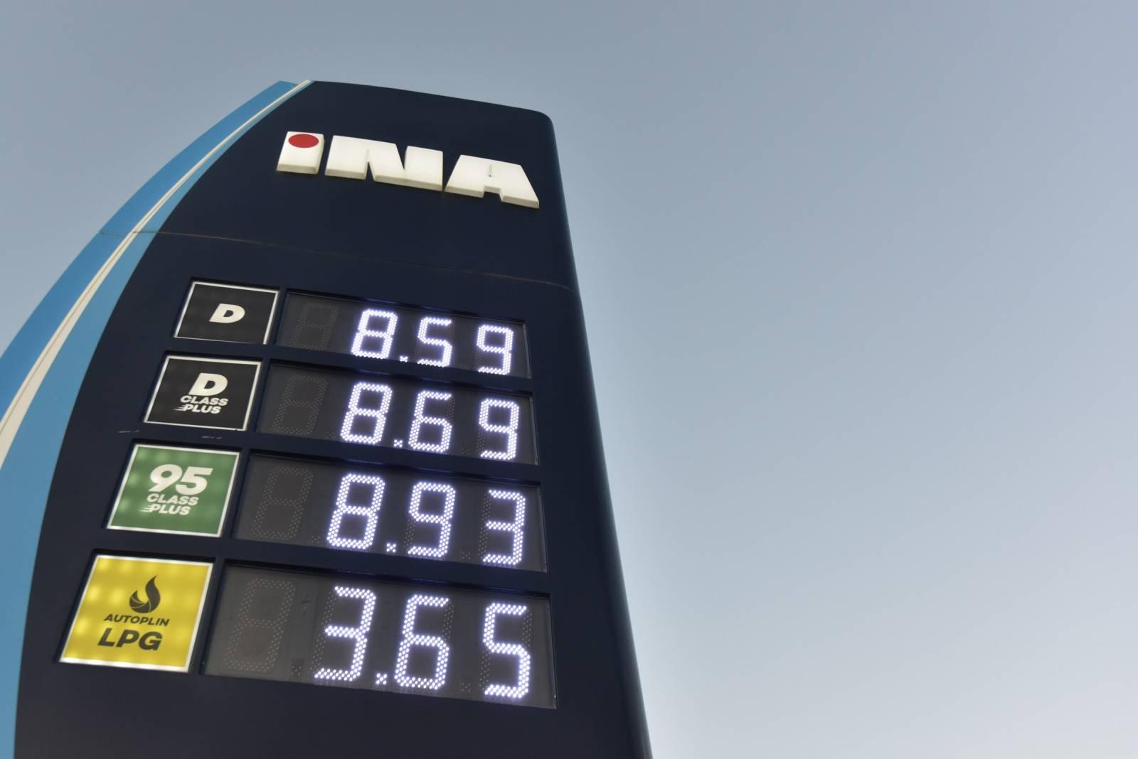 Od ponoci drastičan pad cijena naftnih derivata na benzinskim postajama širom Hrvatske