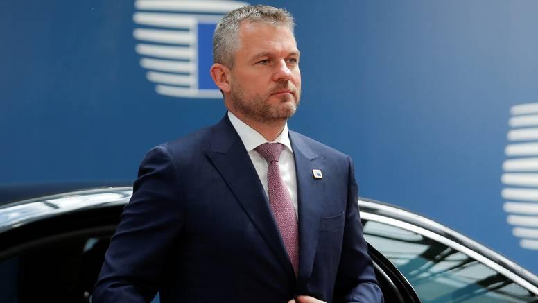 Pellegrini preživio glasovanje o povjerenju, ostaje premijer