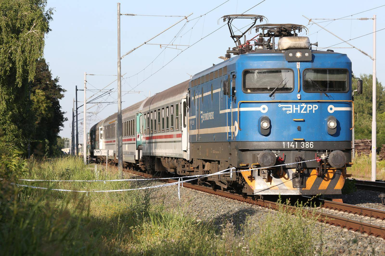 Vlak kod Križevaca naletio na automobil: Vozačica ozlijeđena