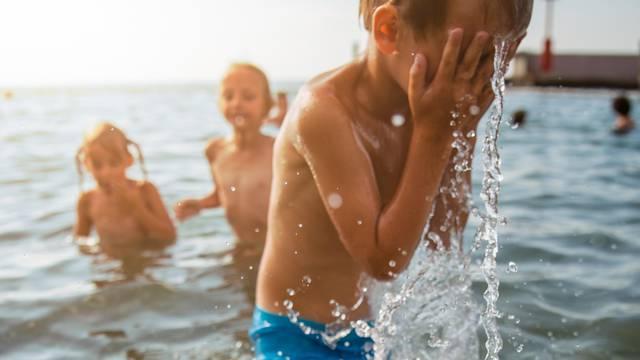 Koliko je opasno objavljivati 'fotke'  djece na Facebooku?!
