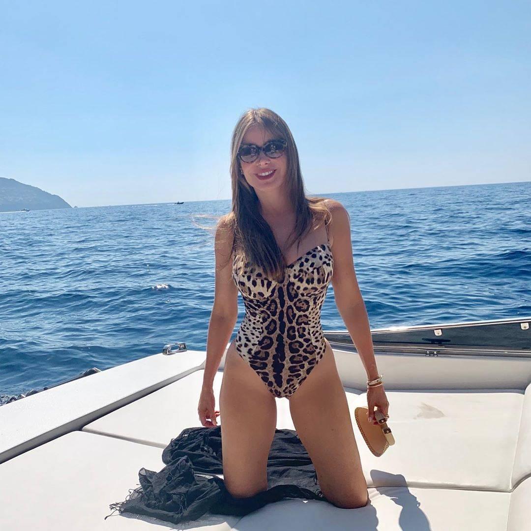Sofia Vergara vježba ramena kako bi naglasila svoj struk, a obožava jesti ribu sa salatom