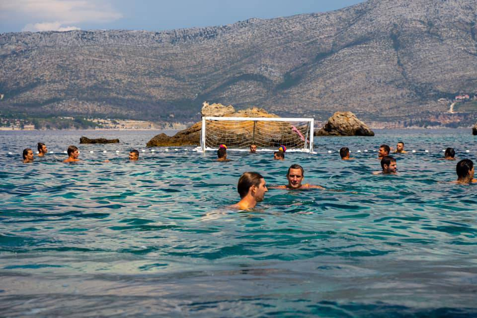 Sunce, Jadransko more, brodice i - vaterpolo: Barakude zaigrale na korčulanskom arhipelagu