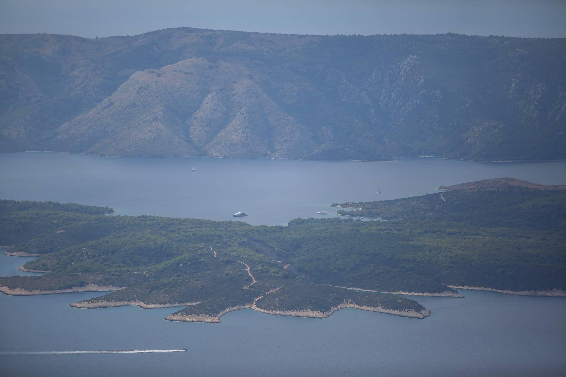 Kroz borovu šumu do najvišeg vrha na otocima i najljepšeg pogleda na Zlatni rat