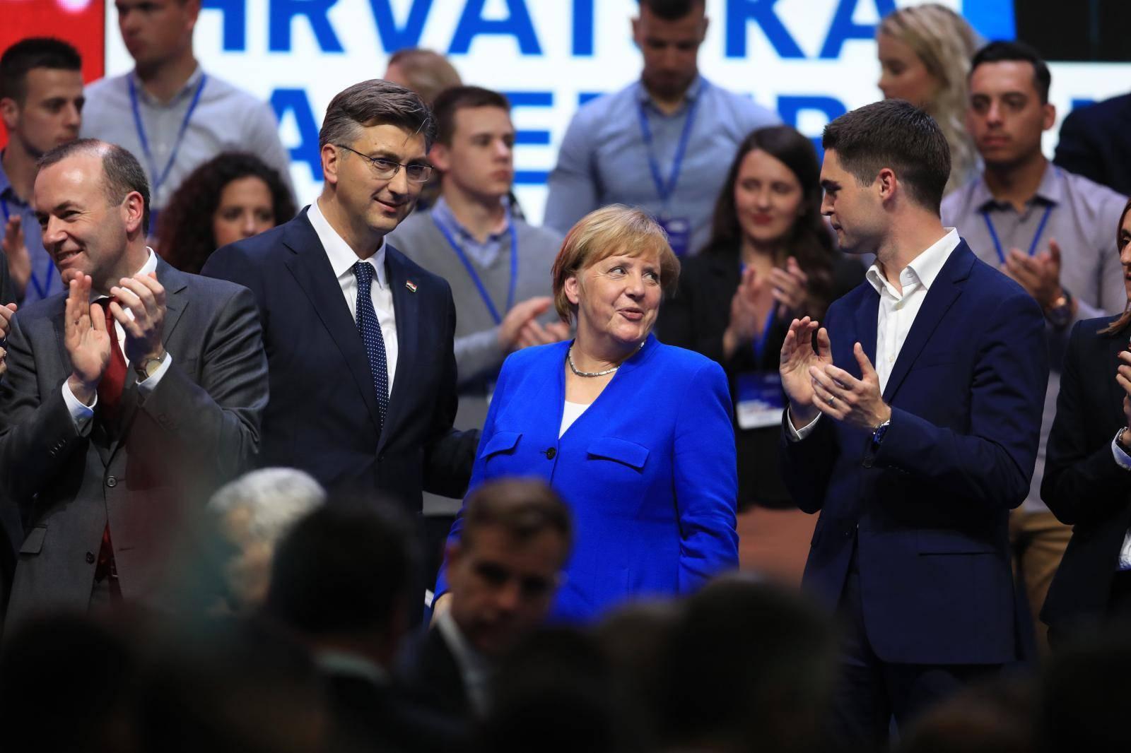'Merkel nije znala da će svirati Thompson na skupu HDZ-a...'