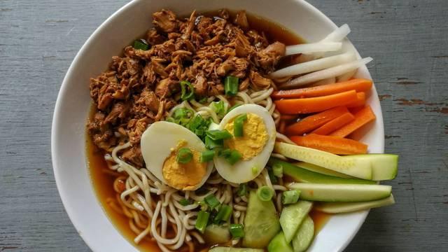 Brz i jednostavan recept za domaći vegetarijanski ramen