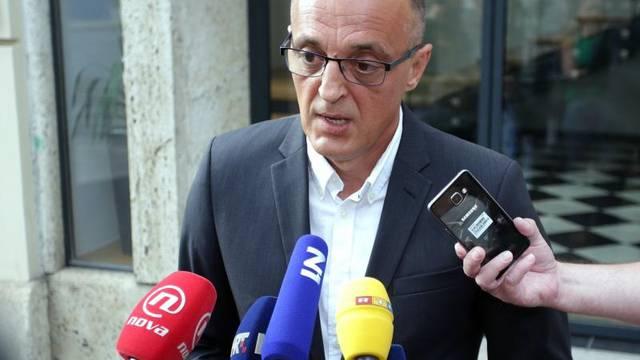 """Nezadovoljan Jakovina podnio ostavku zbog """"šalabahtera"""""""