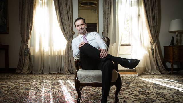 Revizija: MVP tajnici uz plaću tri godine isplaćivalo i honorar