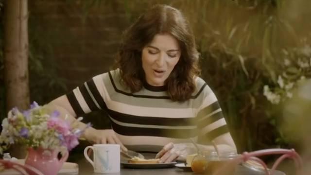 Nigella Lawson razljutila je svoje fanove mazanjem maslaca
