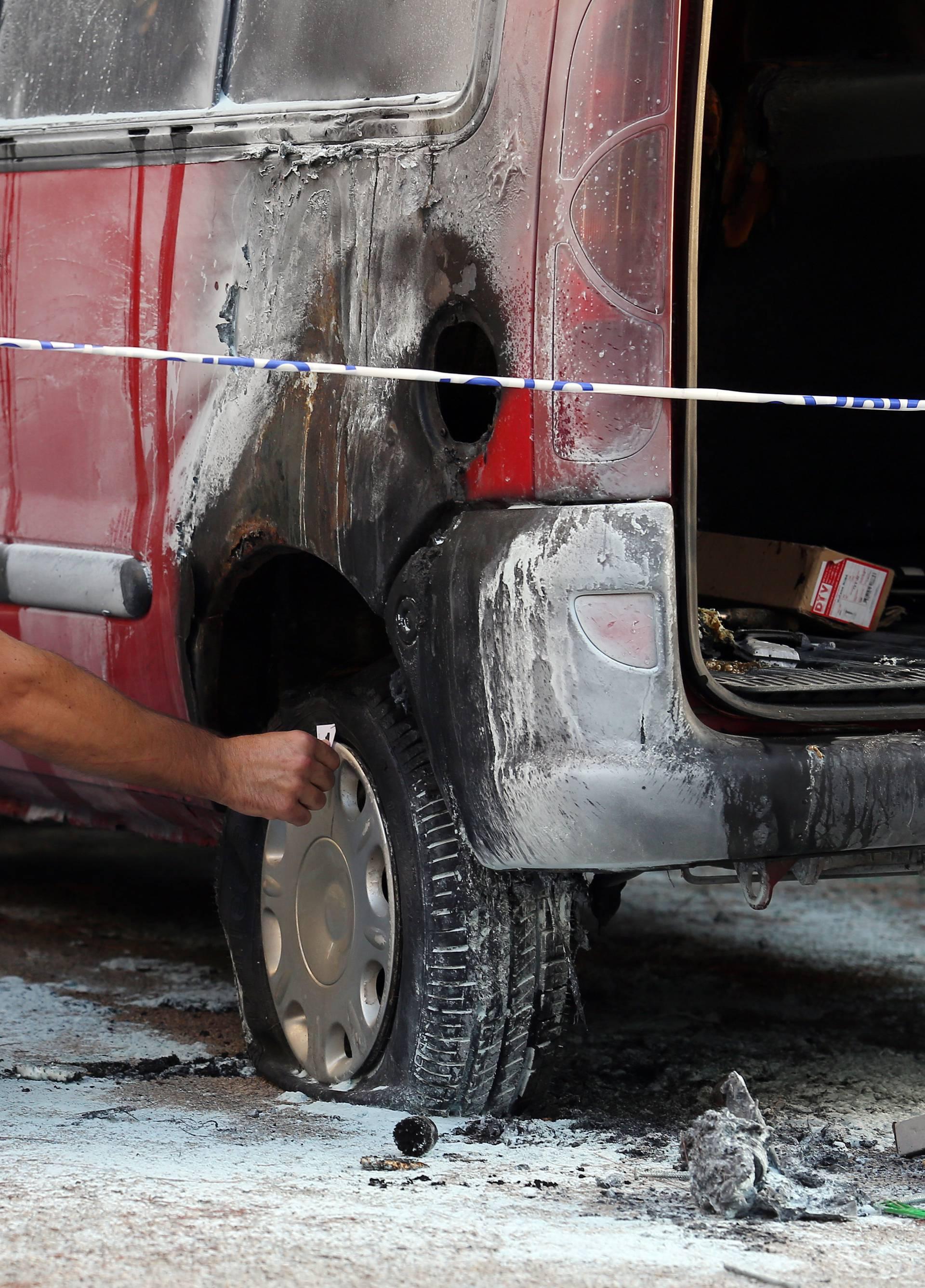 Maloljetnici su tijekom noći  u Puli podmetnuli čak pet požara