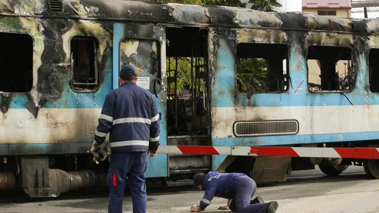 Planuo kod Našica: Pogledajte što je ostalo od izgorenog vlaka