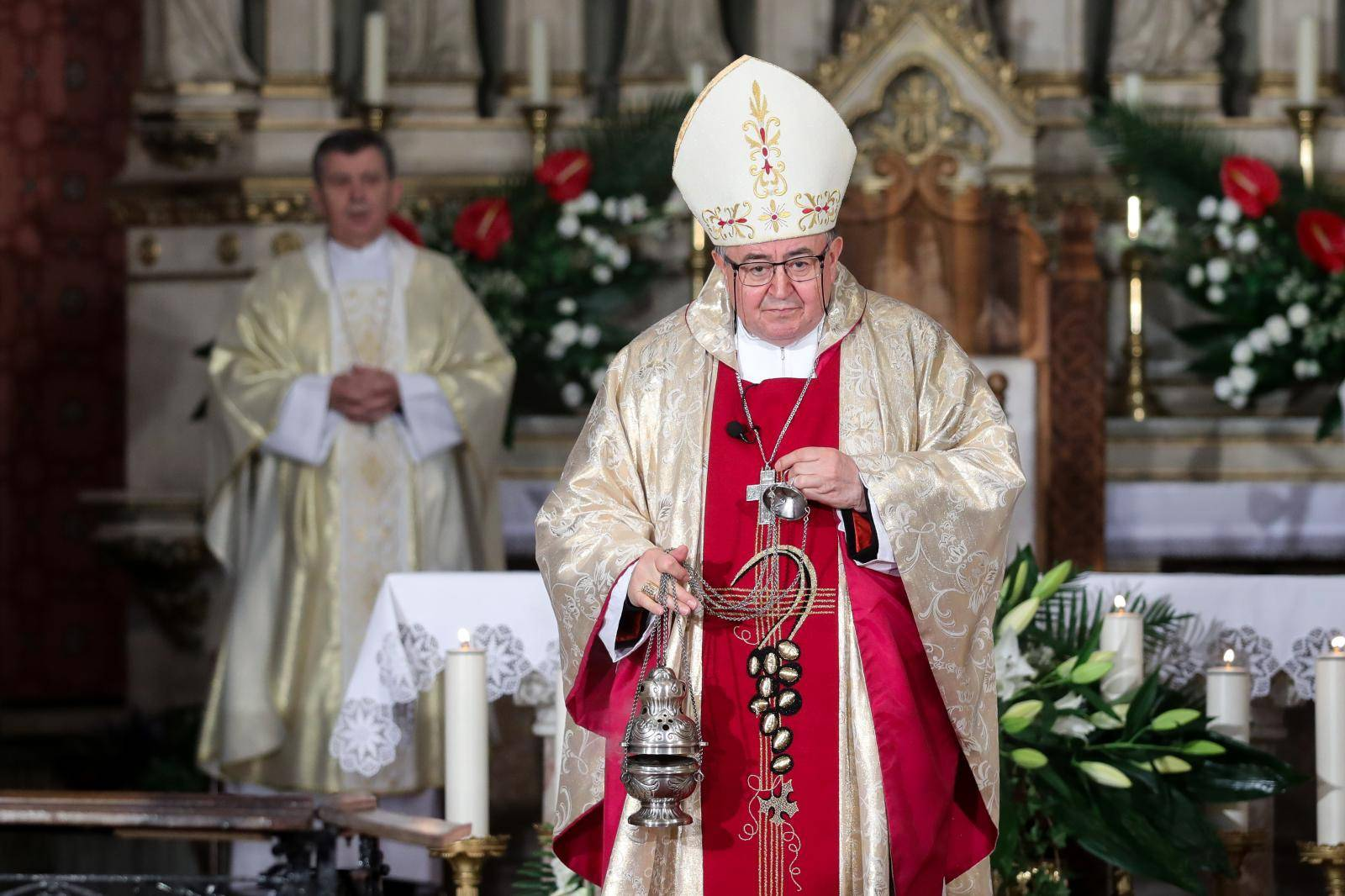 Kardinal Puljić podnosi ostavku