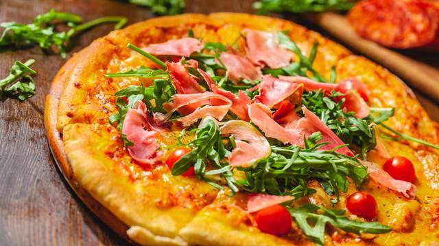 Nakon sedam tjedana napuljski pizzajoli ponovno peku pizzu