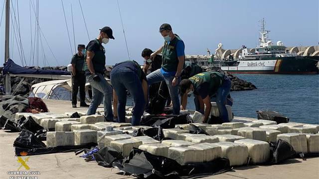 MUP-ova akcija:  Tri Hrvata su uhićena na Kanarima, u jedrilici krijumčarili tonu kokaina