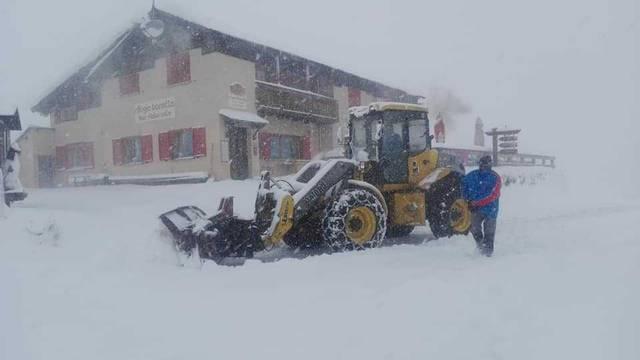 Snijeg pao u Italiji i Austriji: 'Može ga biti i do pola metra'