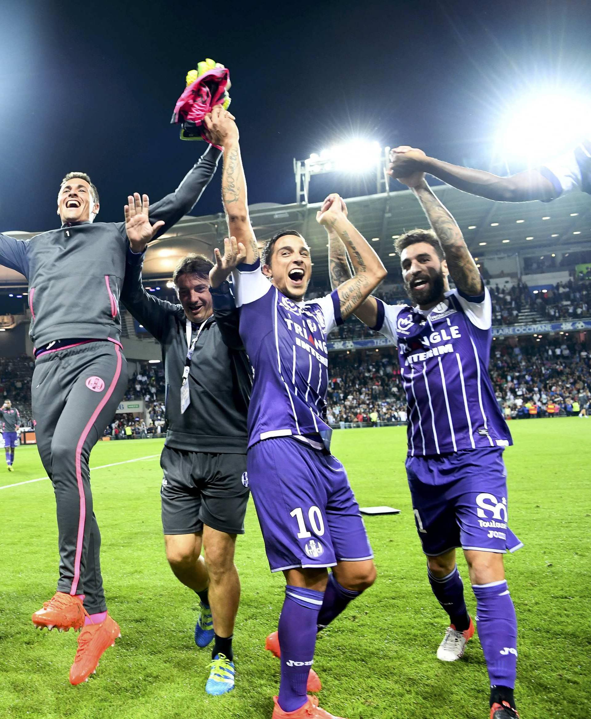 Football Soccer - Toulouse v Paris St Germain - French Ligue 1 - Stadium de Toulouse, France