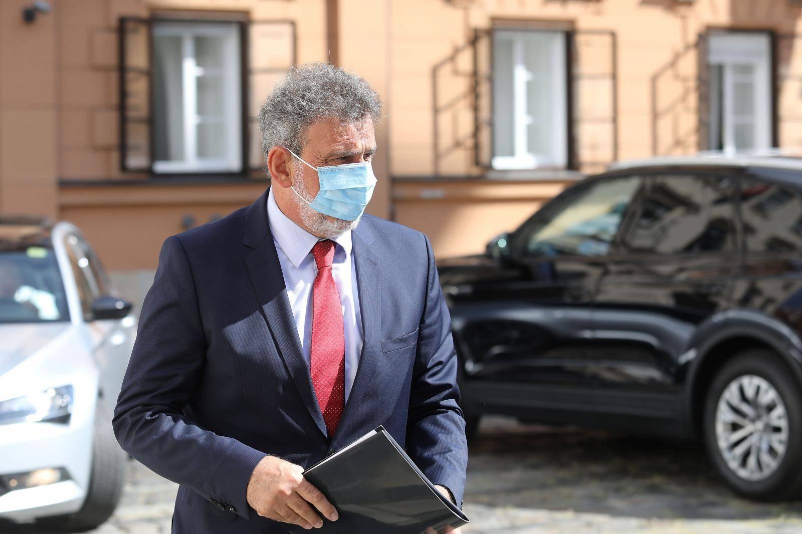 Zagreb: Dolazak ministara i obraćanje medijima prije sjednice Užeg kabineta Vlade