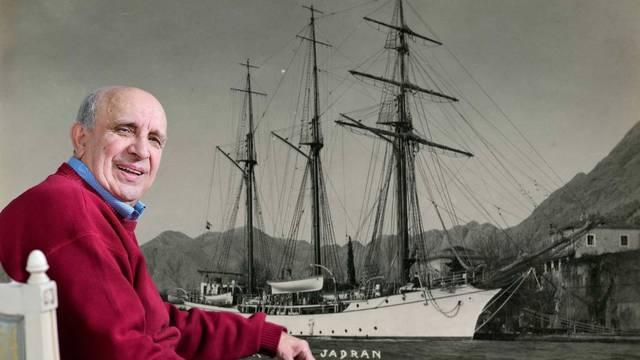 Upita li netko Đukanovića kad će nam oni vratiti naš jedrenjak koji su nam oteli devedesetih?
