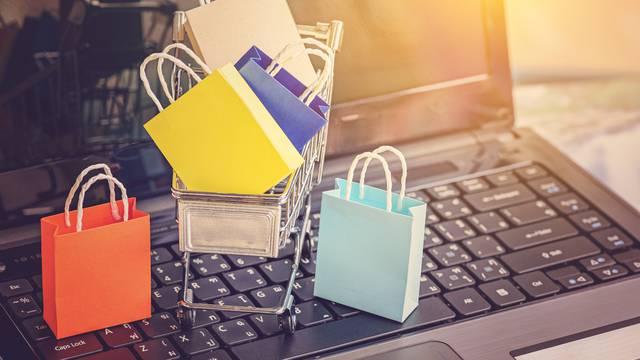 Cipele, torbe, hladnjaci: Hrvate u online kupnji najviše brine sigurnost provedene transakcije