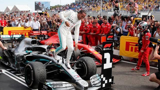 Mercedes izlazi iz Formule 1, a Hamilton napokon ide u Ferrari