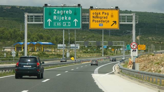 Oprez, vozači: Na autocestama srne, očekuju se i velike gužve