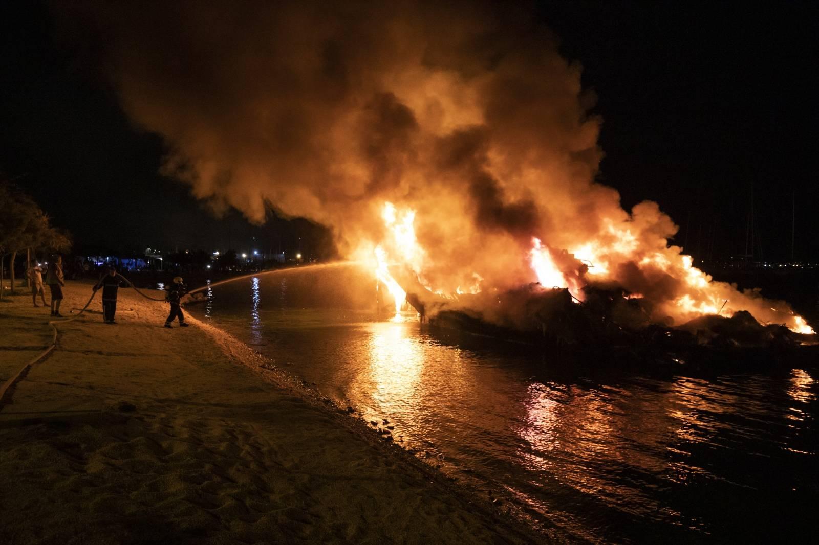 Kaštel Gomilica: Požar brodova u Marini Kaštela