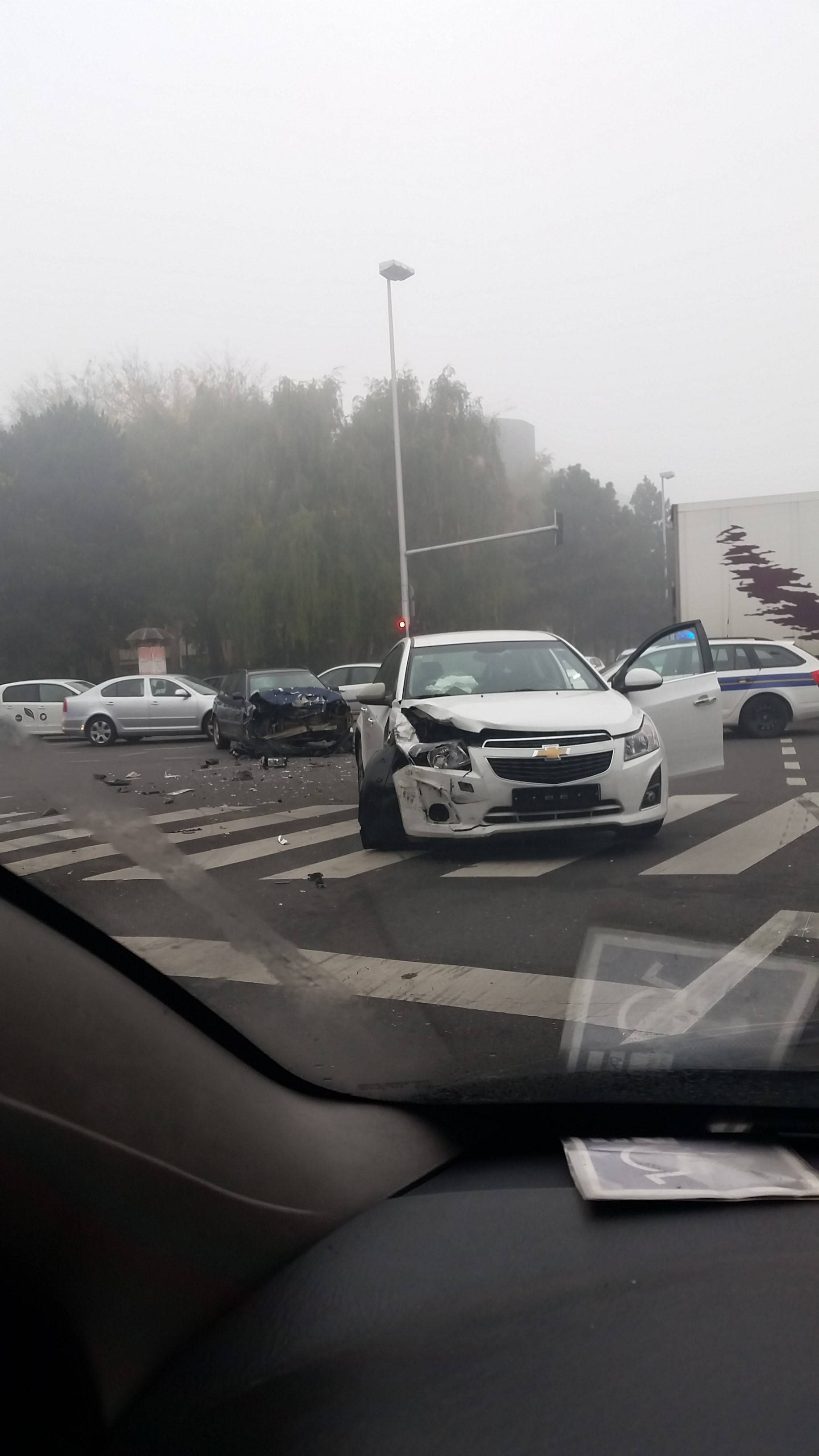 Sudar Audija i Chevroleta u Zagrebu: Jedan vozač u bolnici