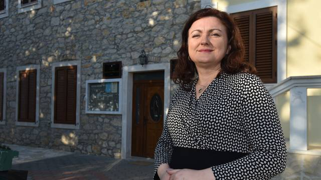 'Načelnica je 35 kg janjetine i 9 mobitela platila novcem općine'