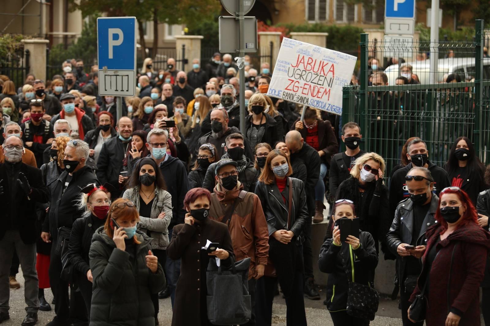 """Zagrepčani organizirali prosvjed pod nazivom """"Ne damo Jabuku – posljednji ples?"""""""