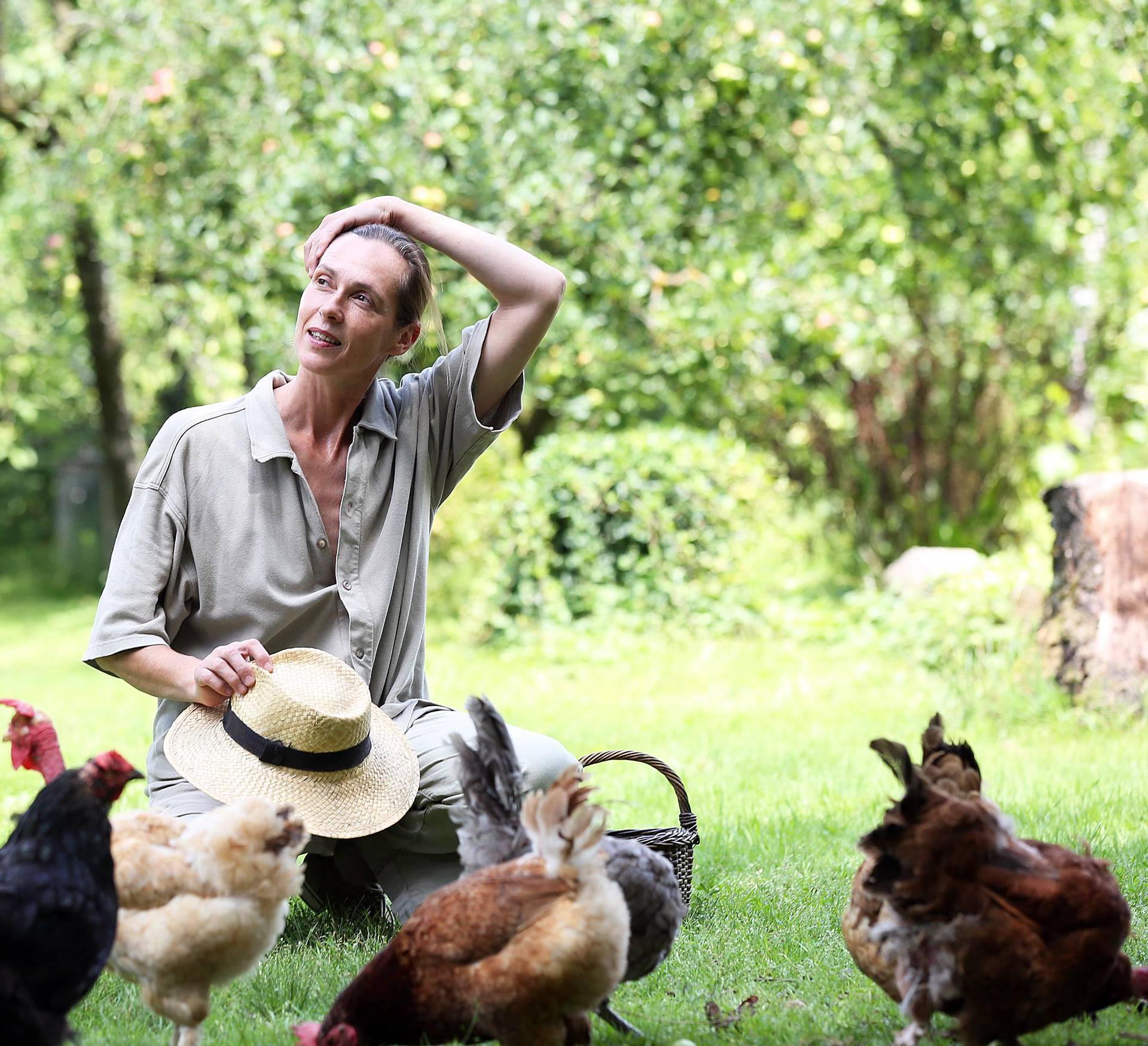 Od modela do kokoši: Draže su mi moje koke od Diora i Pariza