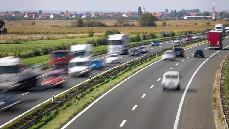 Kaos na zagrebačkoj obilaznici: U dvije prometne sudarilo se 8 automobila, kolona duga 6 km
