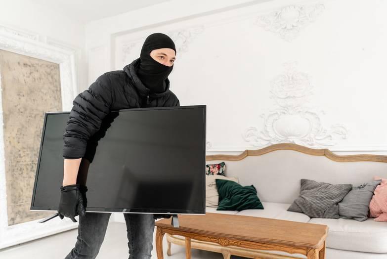 Okorjeli lopov uhićen: Dva je mjeseca provaljivao u kuće...