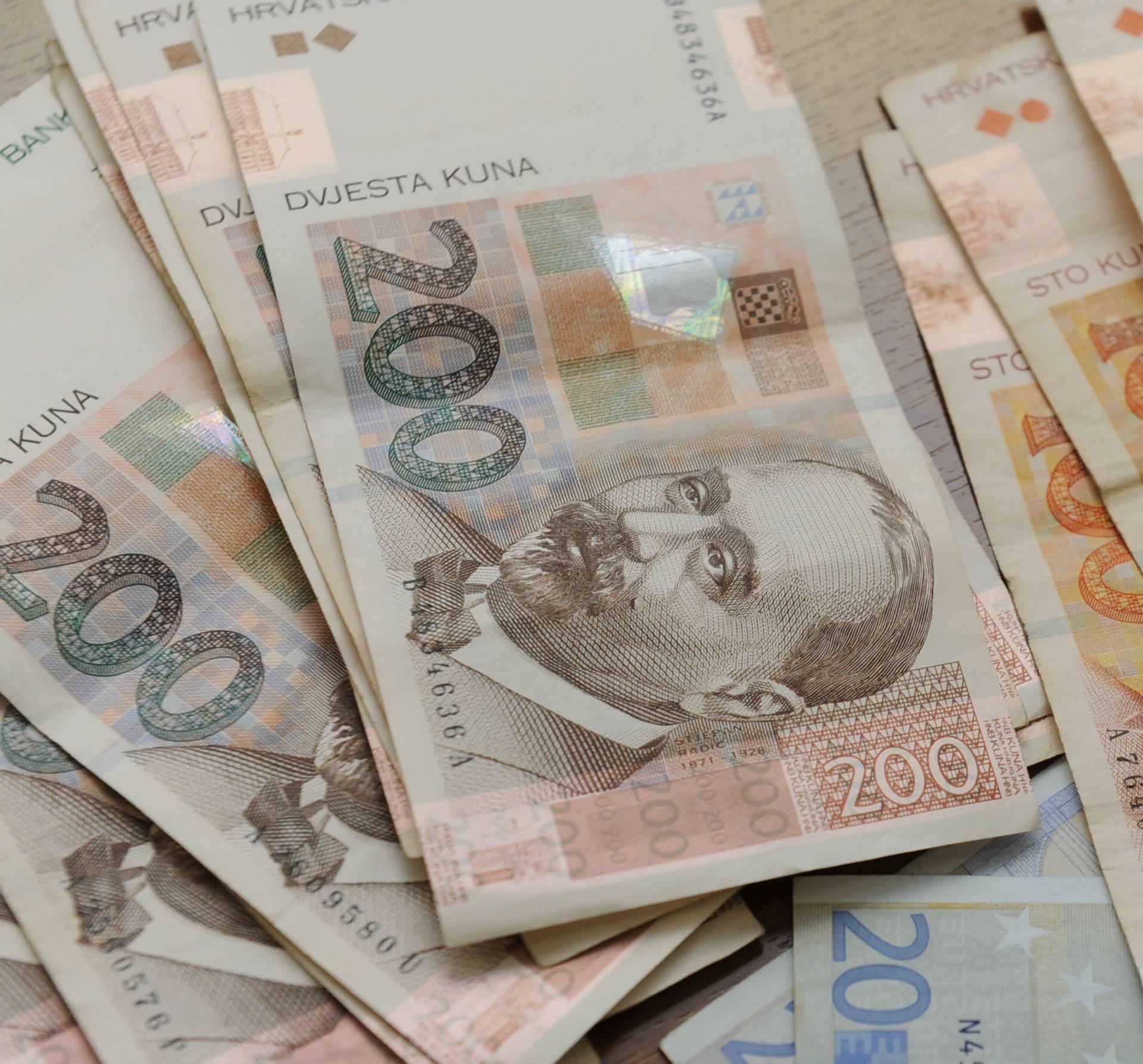 U Zagrebu: Glumio policajca pa uzeo ženi oko 100 tisuća kuna