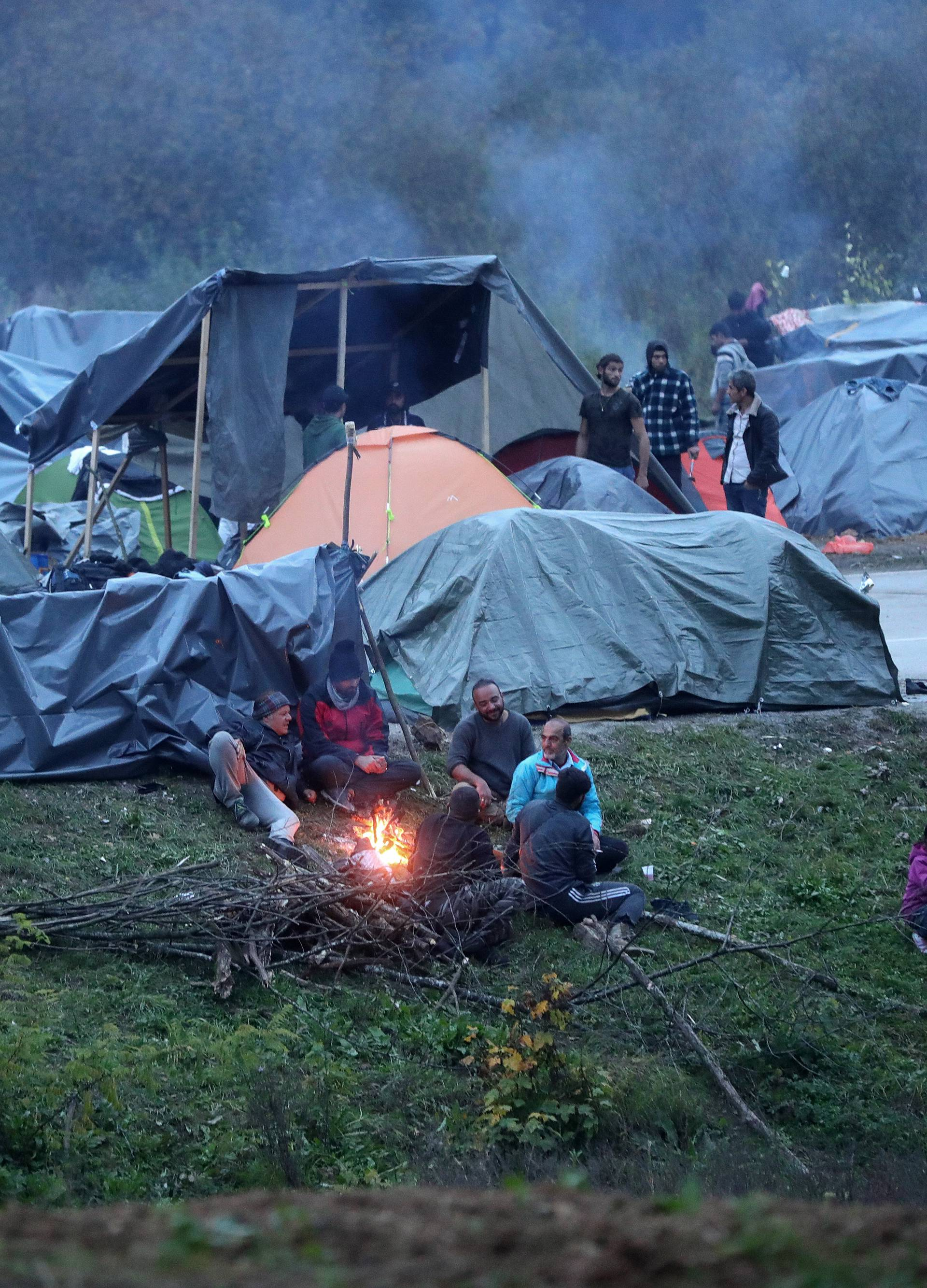 Međunarodni cestovni granični prijelaz Maljevac - Velika Kladuša i dalje zatvoren