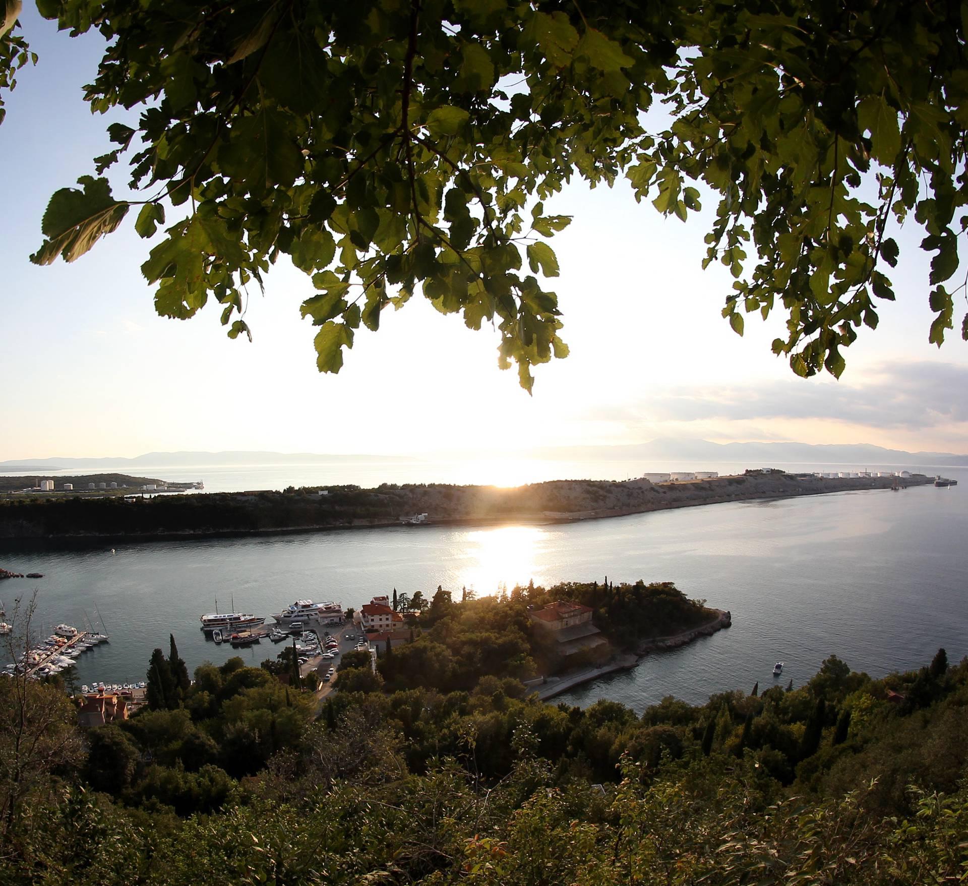 Sukob u Omišlju: Za 10 dana Hrvatska ne bi imala naftu?!