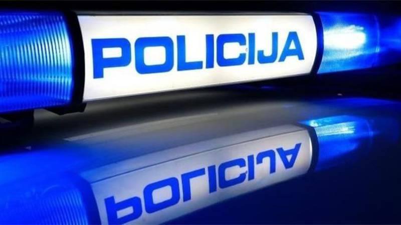U sudaru kamiona i auta kod Lovinca jedan vozač poginuo