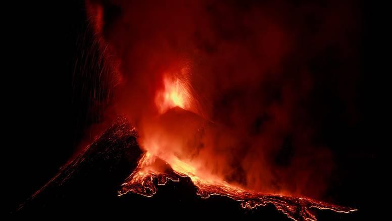 Zbog pojačane aktivnosti vrh Etne 'porastao' nekoliko metara