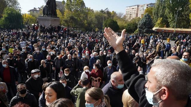 Armenski parlament nije imao raspravu o premijerovoj ostavci