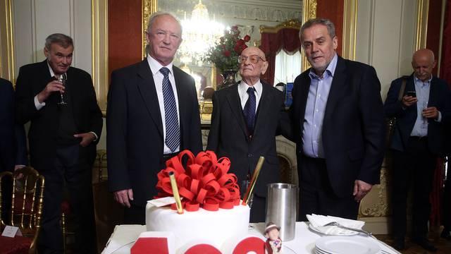Nije Bandić zabranio tortu, već je Jakovčić prekršio protokol...