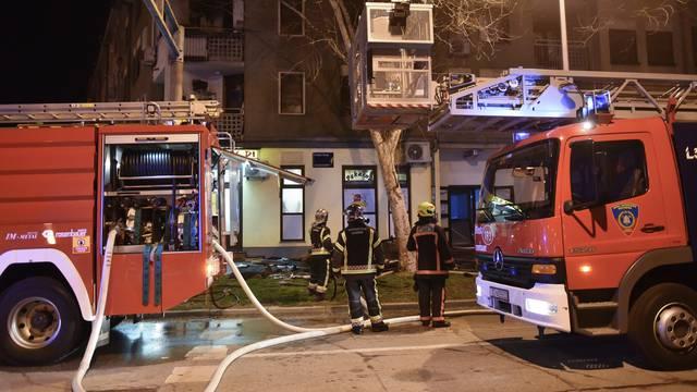 Požar na Malešnici: Vatrogasci ga gasili dva sata, došla i hitna