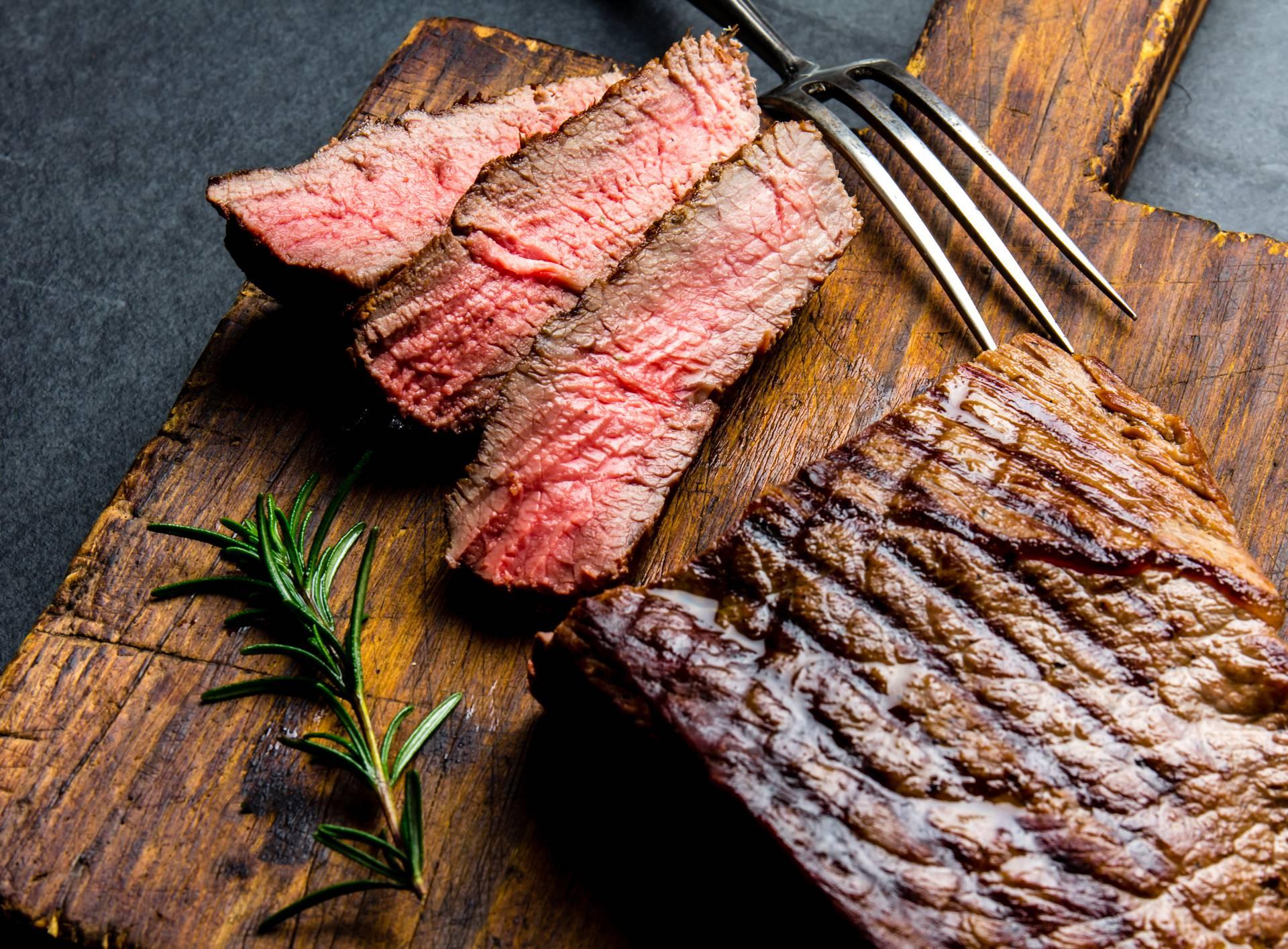 Jednostavni trik za najsočniji biftek - tajna je u zamrzavanju