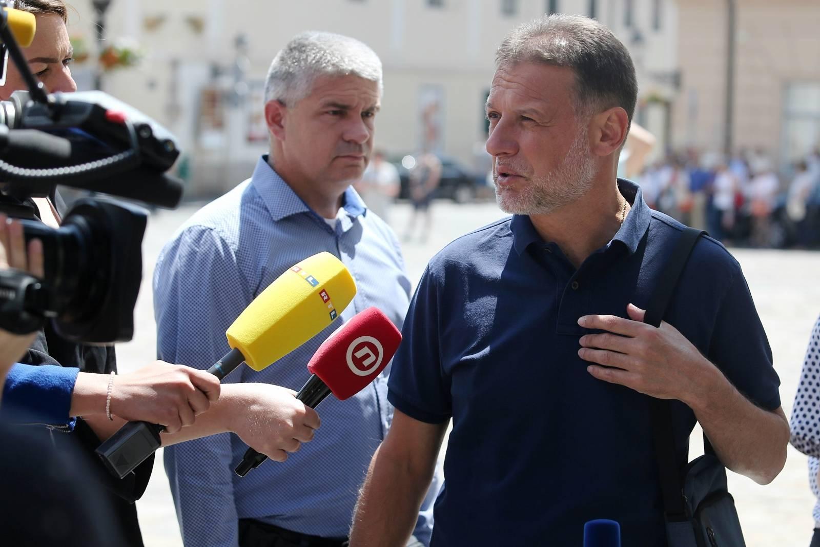Zagreb: Gordan Jandroković dao izjavu za medije na Trgu sv. Marka