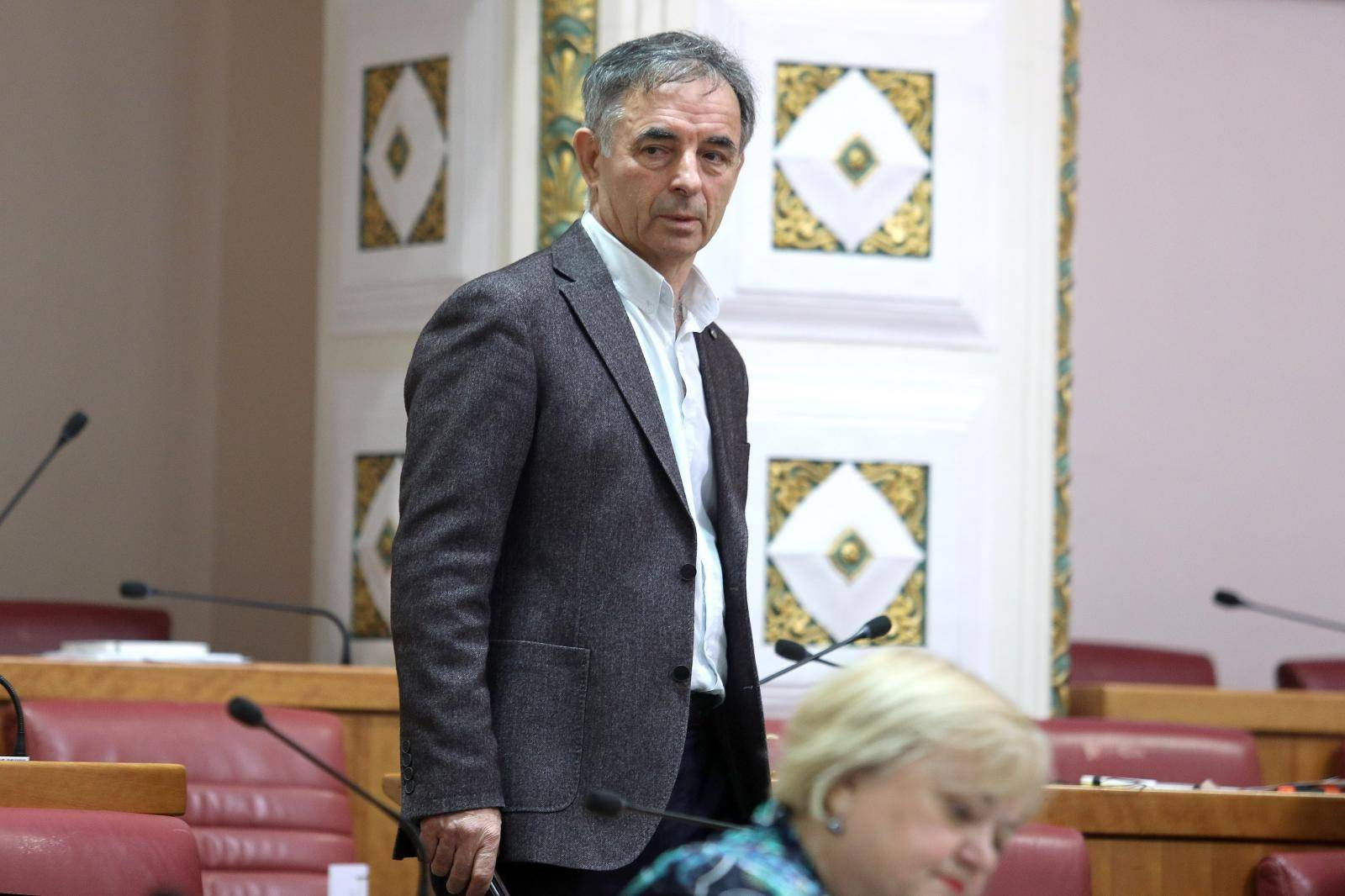 Zagreb: Sjednica nastavljena raspravom o izmjenama i dopunama Zakona o državnim službenicima