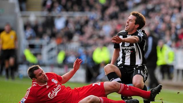 Soccer - Barclays Premier League - Newcastle United v Liverpool - St James' Park