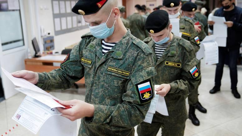 Rusi biraju, a optužbe pljušte: 'Bio je to užasan, prljav dan'