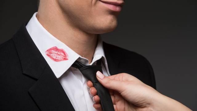 Prijeći preko preljuba? Ovih 14 znakova ukazuju da je 'teren' siguran i da mu možete oprostiti