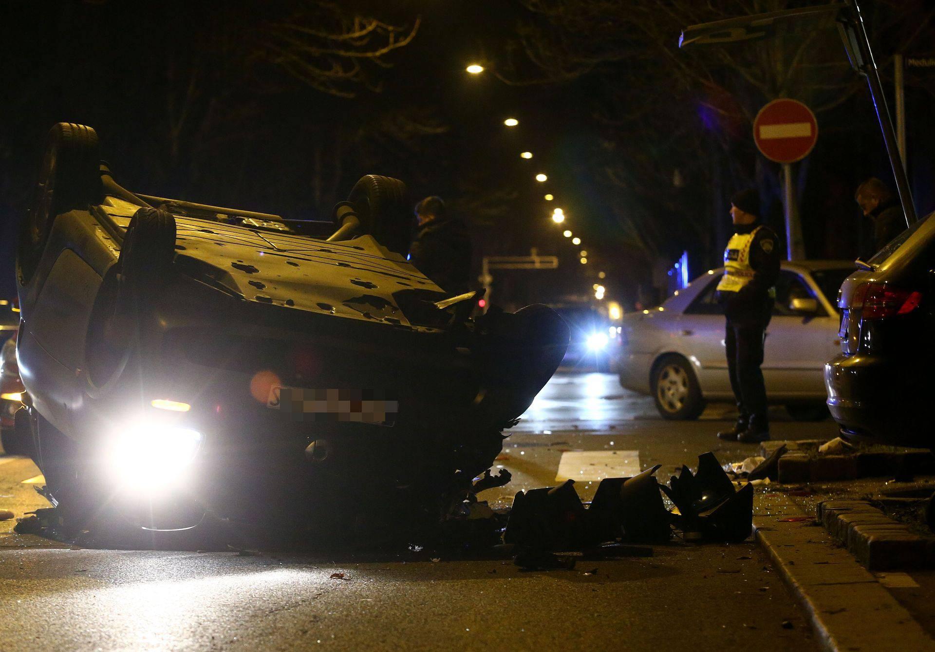Skrivio nesreću u Zagrebu: Iz srednje trake skretao je lijevo