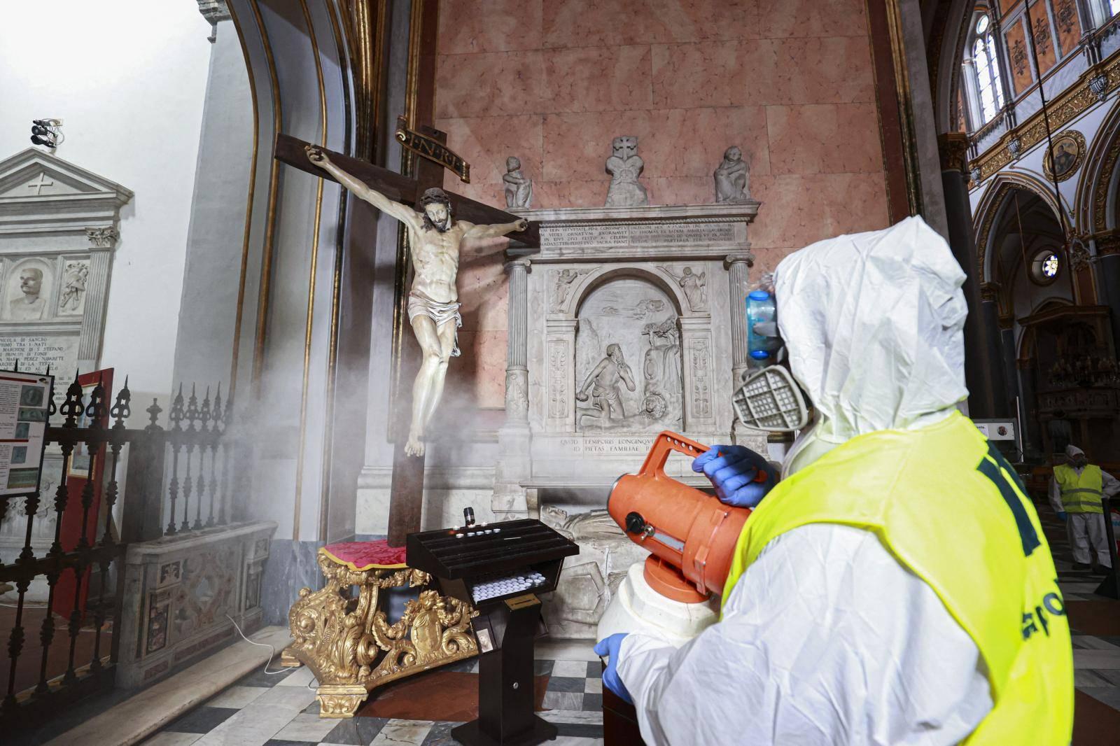 Coronavirus outbreak crisis in Naples