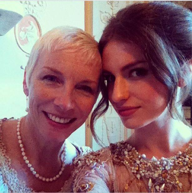 Kći Annie Lennox je odrasla i pozira u seksi donjem rublju