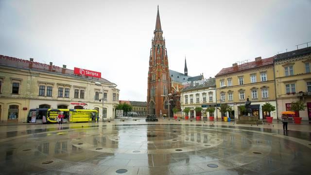 Osijek: Odrazi u lokvama vode